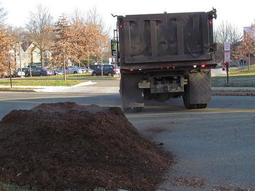 Mulch compost pile