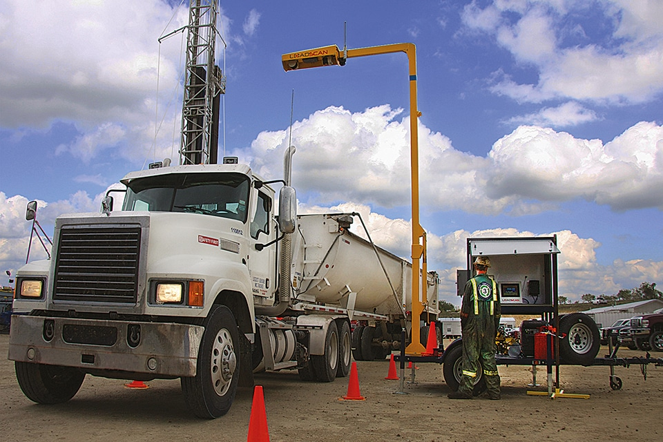Loadscan - volume scanning oil and gas mobile trailer